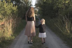 mum and child (1)